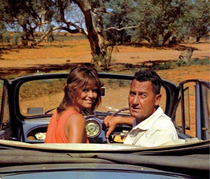 1971 - Bello, onesto, emigrato Australia sposerebbe compaesana illibata, Claudia Cardinale.