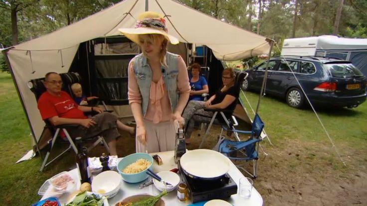 Koken op de camping: eenpansgerecht met kabeljauw, spinazie en geraspte aardappel
