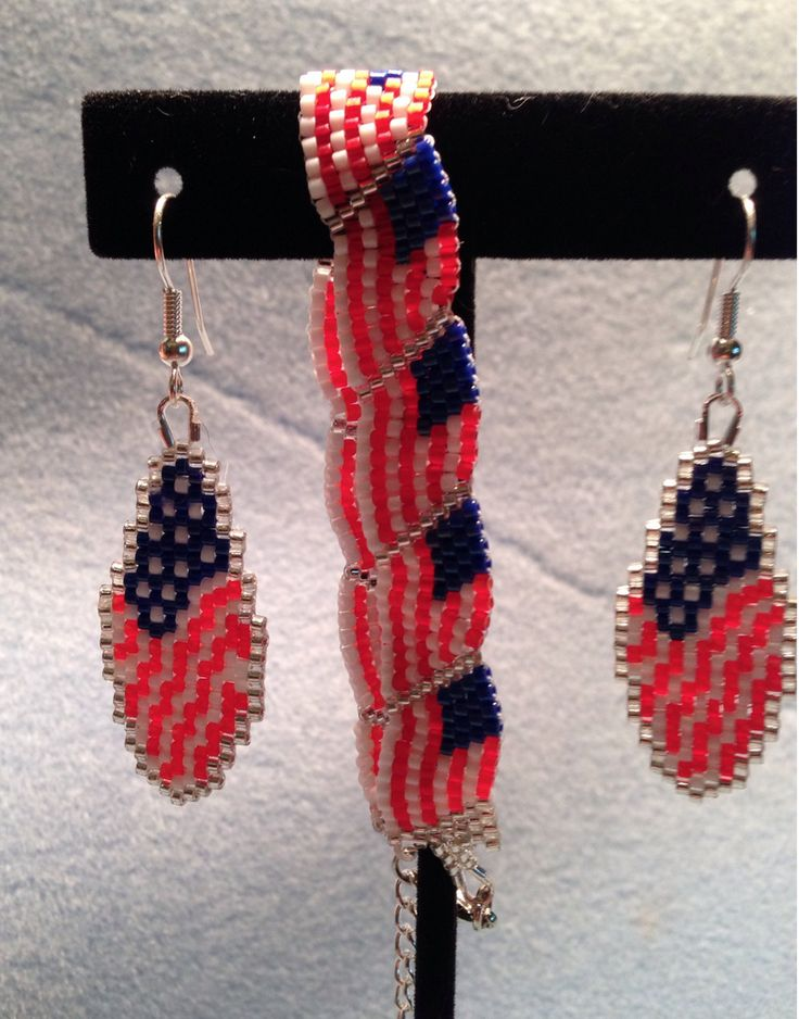 10 best flag patriotic beadwork images on pinterest for Patriotic beaded jewelry patterns