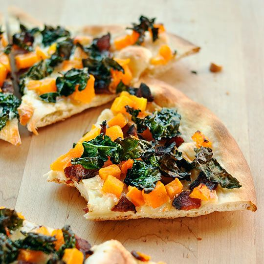 Pizza with Crispy Kale, Butternut Squash, Bacon & Smoked Mozzarella // take out the bacon and this sounds yummy either way!