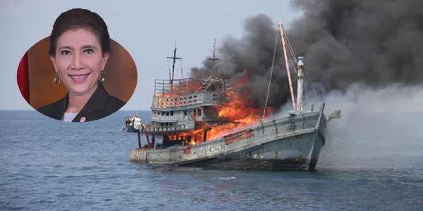 Menteri Susi Pudjiastuti Tenggelamkan 236 Kapal Pencuri   berita selengkapnya:  http://www.isw.co.id/single-post/Menteri-Susi-Pudjiastuti-Tenggelamkan-Kapal-Pencuri