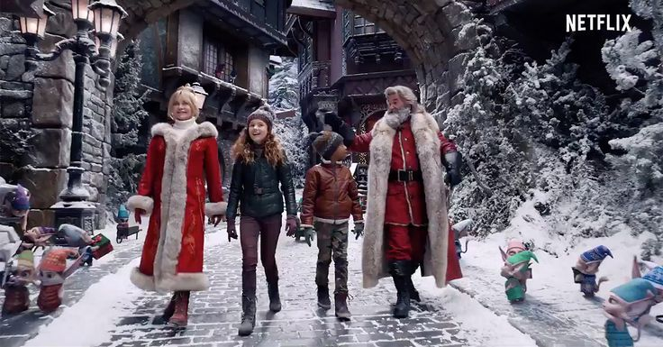 Kurt Russell And Goldie Hawn Are Back As Santa And Mrs Claus In Christmas Chronicles 2 Trailer In 2020 Netflix Christmas Movies Goldie Hawn Movies