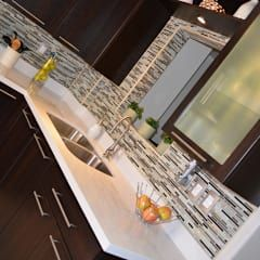 Cocina Thermofoil Espresso  5: Cocinas de estilo moderno por Toren Cocinas