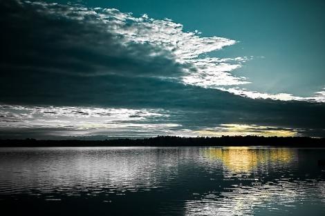 Google Image Result for http://2.bp.blogspot.com/-eSwRx2rZaoc/Tc7DLqaILrI/AAAAAAAAALc/ulWt59BKC9Q/s1600/lake.jpg