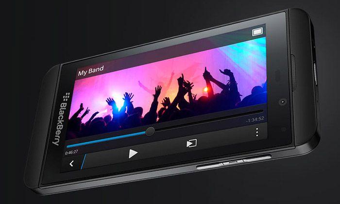 BlackBerry Z10 je mobil revoluční svým systémem