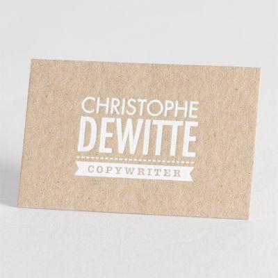 Kies voor professionele Luxe Letterpress visitekaartjes op eco-papier. Bij deze ambachtelijke druktechniek wordt de tekst in de kaart gedrukt met een optisch en voelbaar effect. Dit kaartje is uitgevoerd in witte folie, maar andere kleuren zijn mogelijk.