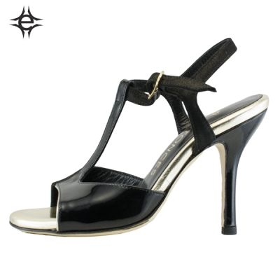 Special occasion! 119 instead of 140€!  TANGO SHOES FOR WOMEN in black patent leather and black suede. Exclusive memory foam insole for an unbeatable comfort.