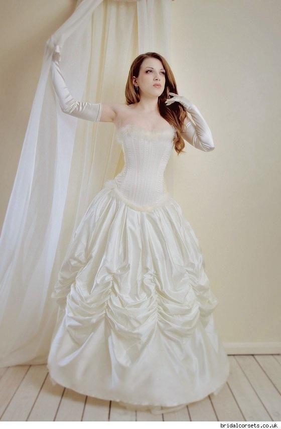 Victorian era fashion modern dresses