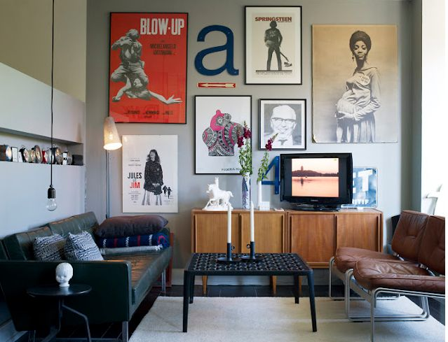 Black Sofa Living Room Design Retro