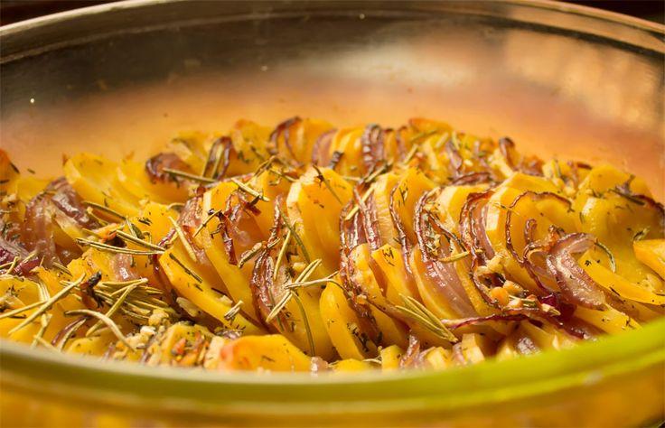 Картошка с луком в духовке
