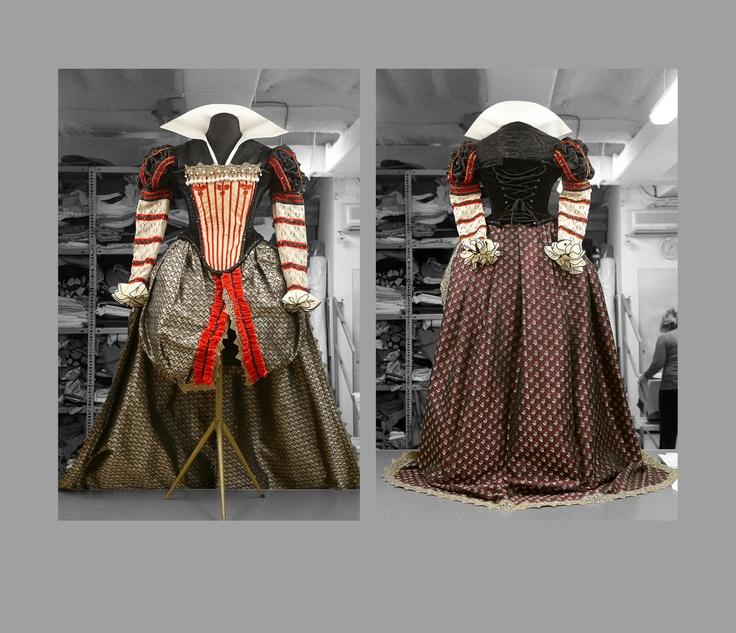 vestuario de la Reina
