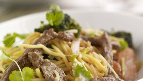 Crispy Beef with Pasta and Broccoli