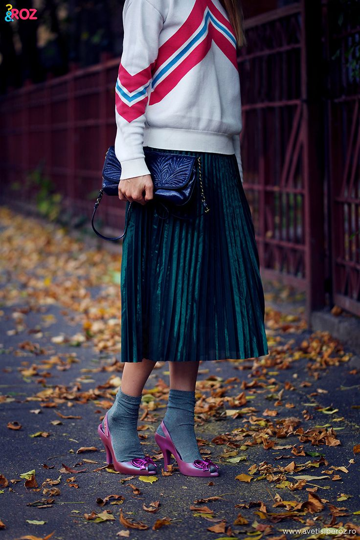 metallic pleated skirt and retro sweater