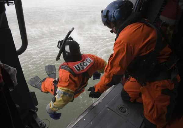 Rescue Swimmers Are Super Badass | 13 Awesome Things You Didn't Know About The Coast Guard