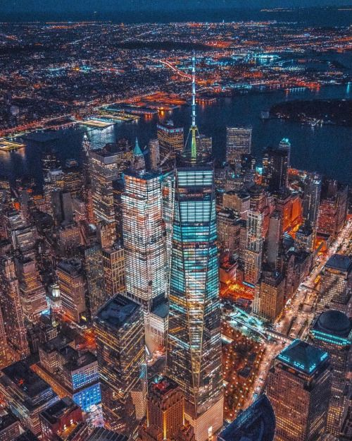 Flying over Manhattan by @212sid @chief770 @shunsky_nyc - New York City Feelings