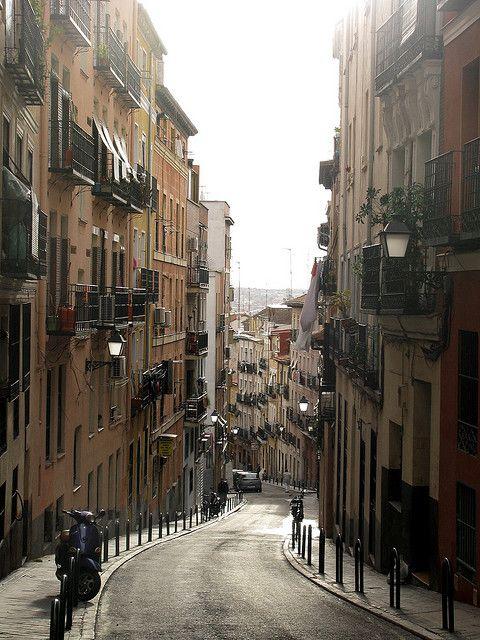 Barrio de Lavapies en España