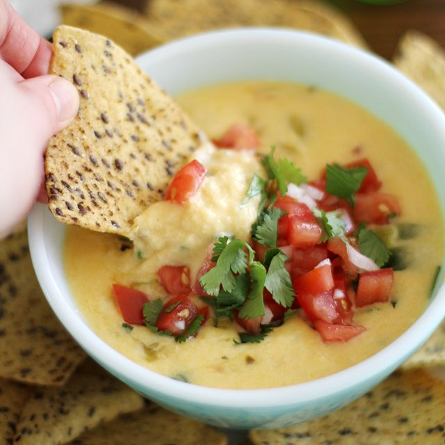Are you ready for the heat? 2014 Hatch Chile Festival is on Labor Day weekend, August 30-31, 2014: Hatch Chile Queso Dip via www.girlversusdough.com