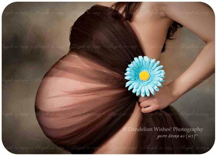 @Jillian Danielson future maternity photo session idea.