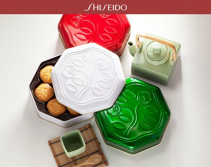 Dall'unione della #bellezza cosmetica e della #raffinatezza del #food nascono gli Hanatsubaki biscuits #Shiseido!
