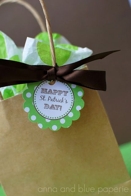 anna and blue paperie: {Free Printable} Happy St. Patrick's Day Party Dec...