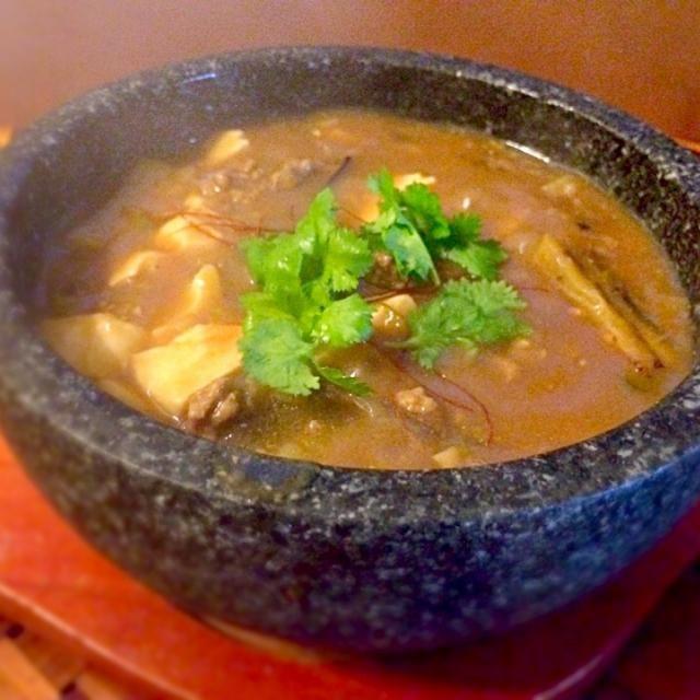 気付いたら夕方、暗くなって来たのでチビ〜ズに指示出しながらさっとできる麻婆豆腐♨️生姜、ニンニクたっぷり温まるぅ - 68件のもぐもぐ - Sichuan style bean curd&egg plant(Mapo Tofu&) 麻婆豆腐&茄子 by Ami