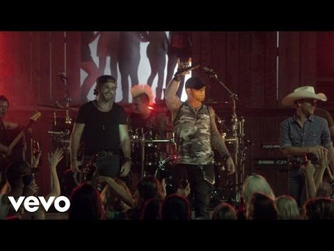 Brantley Gilbert - Small Town Throwdown ft. Justin Moore, Thomas Rhett - YouTube