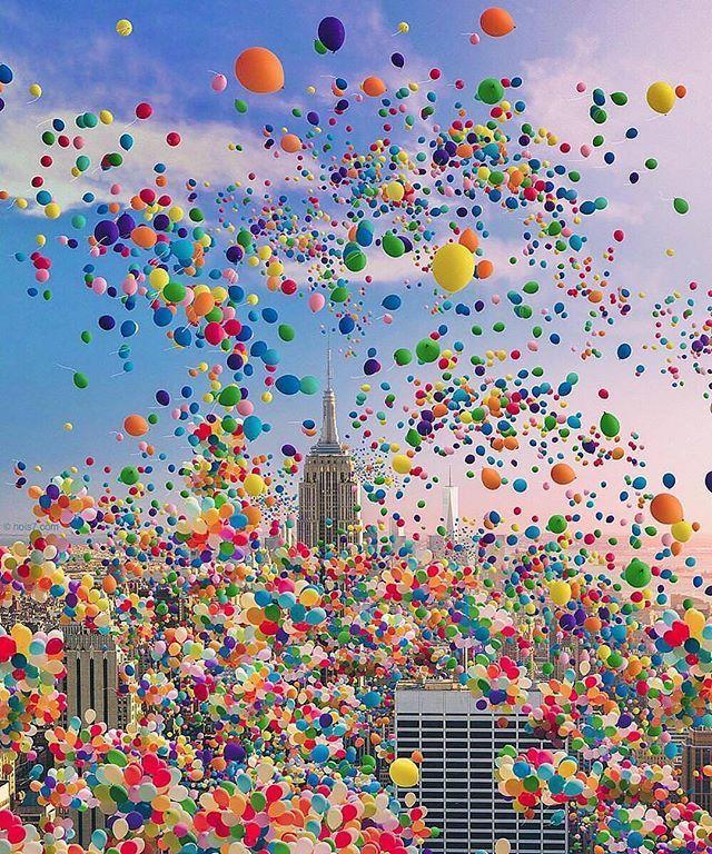 NYC, balloon day via @legendaryviews  Follow @travellersmagazine for top travel content!  PC @nois7