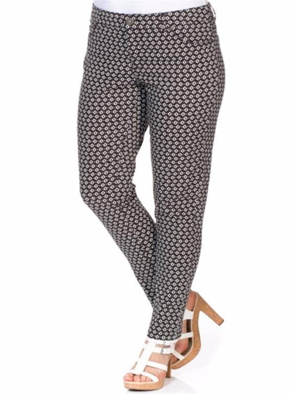 Pantalón estampado de color negro perfecto para mujeres de talla grande