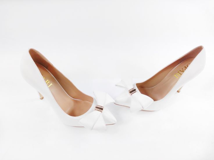 High Heeled Wedding Pump with Bow Detail #oparishoes #weddingshoeswith bow #weddingpump