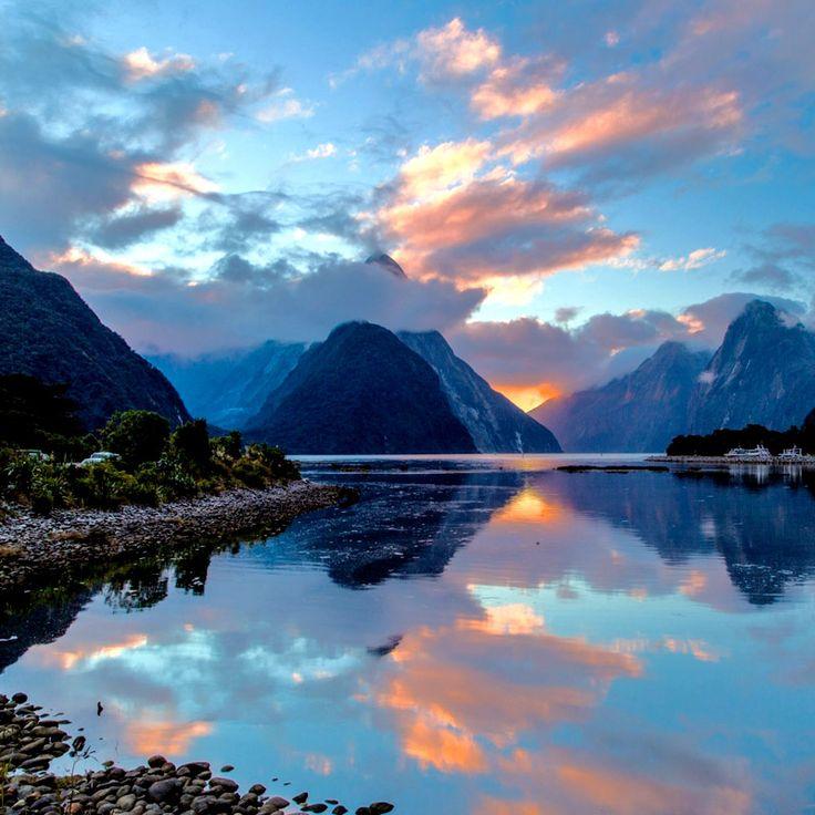 Milford Sound fiord, New Zealand's South Island / Фьорд Милфорд-Саунд, остров Южный, Новая Зеландия