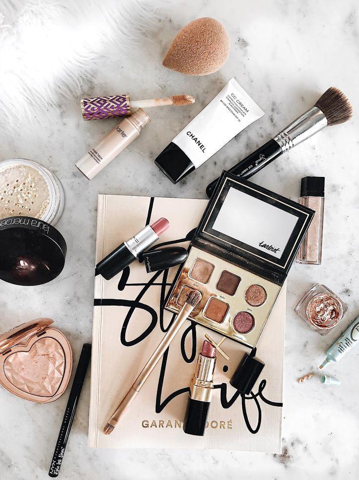 Makeup Products: Best 25+ Painted Makeup Vanity Ideas On Pinterest