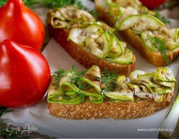 Кабачки-гриль в маринаде (антипасти). Ингредиенты: оливковое масло Extra Virgin, кабачки молодые, мед жидкий