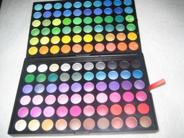 120 Colors Eye Shadow pallet <<< I have NO idea why... But I've always wanted one of these big unnecessary eye shadow pallets xD SO MANY COLORS XD