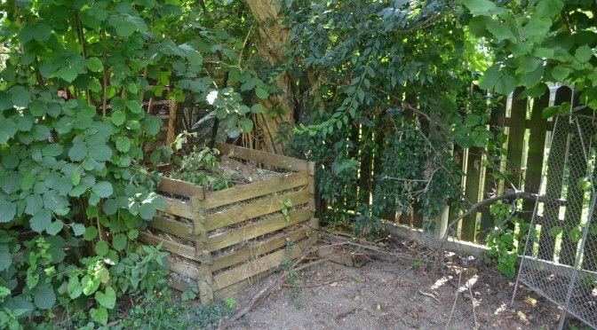 Man sagt der Kompost ist das Herzstück eines Garten. Komposthaufen hatte ich schon immer, seit ich den Garten betreibe.