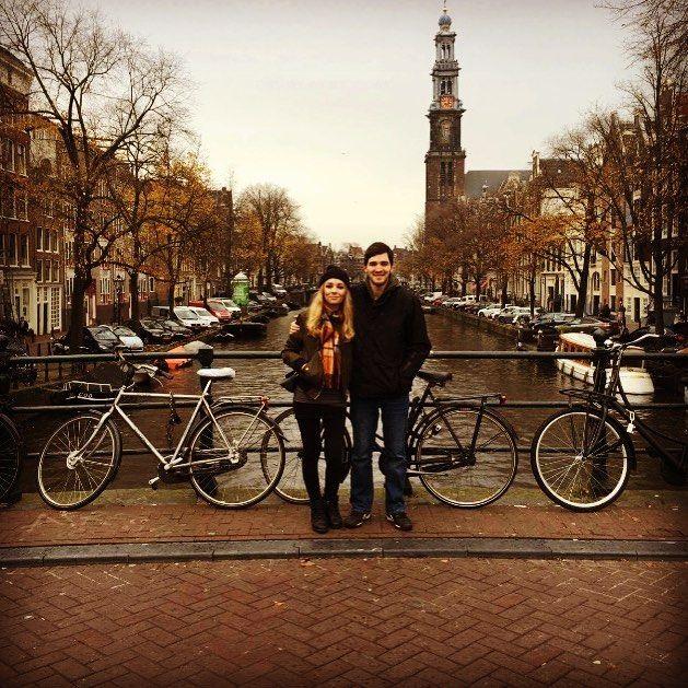 Groene peperbus.  Hannah Torrance (@hannahhlouise93) op Instagram: 'Amsterdam ✈️ #holiday #bridge #amsterdam #amsterdambridge #bikes #trip #travel #dam #lb #boats…'