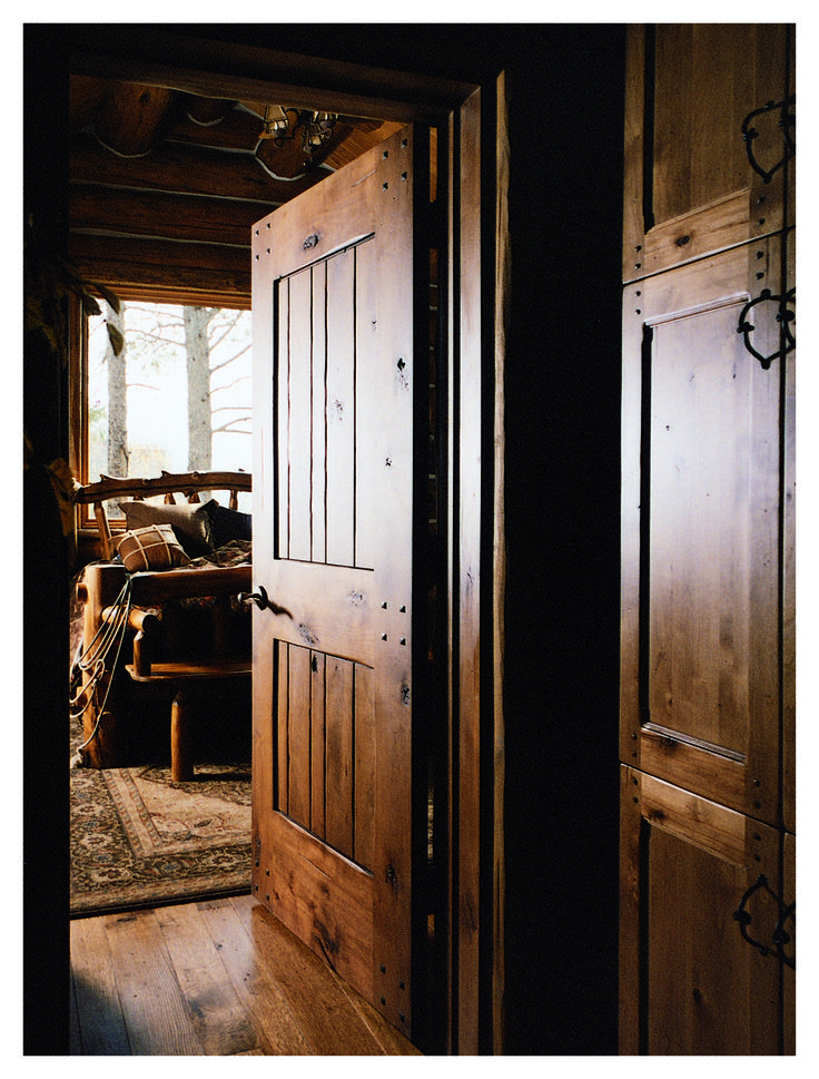 Cowboy Rustic Interior Door (Square Top Rail, Random Plan, Knotty Alder,  Clear Coat Finish, With Clavos)