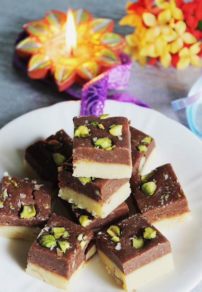 chocolate burfi recipe or chocolate barfi recipe - Learn to make the best delicious chocolate burfi that tastes like real chocolate and milk