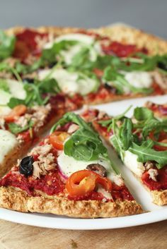 Wát een uitvinding deze gezonde pizzabodem. Echt, ik eet meer pizza's dan voorheen en dat komt doordat ik van deze bodem geen buikpijn krijg. Hij is namelijk glutenvrij :D Kijk wel even goed dat je glutenvrije havermout gebruikt indien je echt coeliakie hebt. Zo niet, dan kun je gewoon alle...