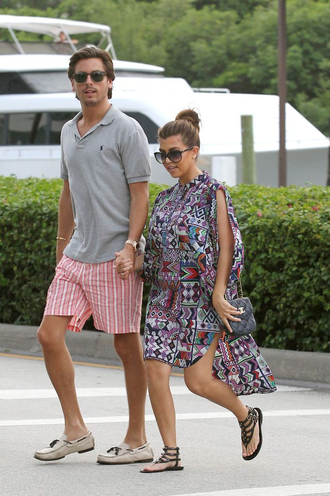 Kourtney Kardashian Photo - Kourtney Kardashian and Scott Disck in Miami