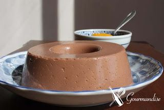 gourmandise gelatina de iogurte e chocolate compota de nectarina