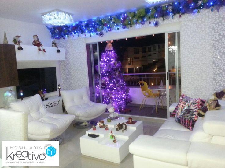 Sala moderna con decoraci n navide a muebles by for Decoracion navidena moderna
