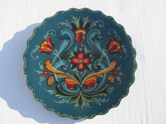 "Beautiful Norwegian Rosemaling In Rogaland Style on a 12"" Bass Wood Plate"