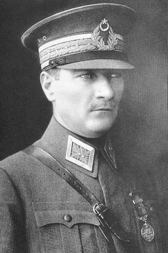 Atatürk'ün kendi ağzından hayat hikayesi