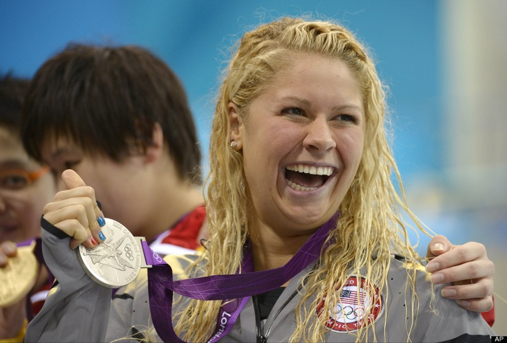 United States' Elizabeth Beisel celebrates with her silver medal for the women's 400-meter individual medley swimming final during the 2012 Summer Olympics in London, July 28, 2012, Day One (PHOTOS)