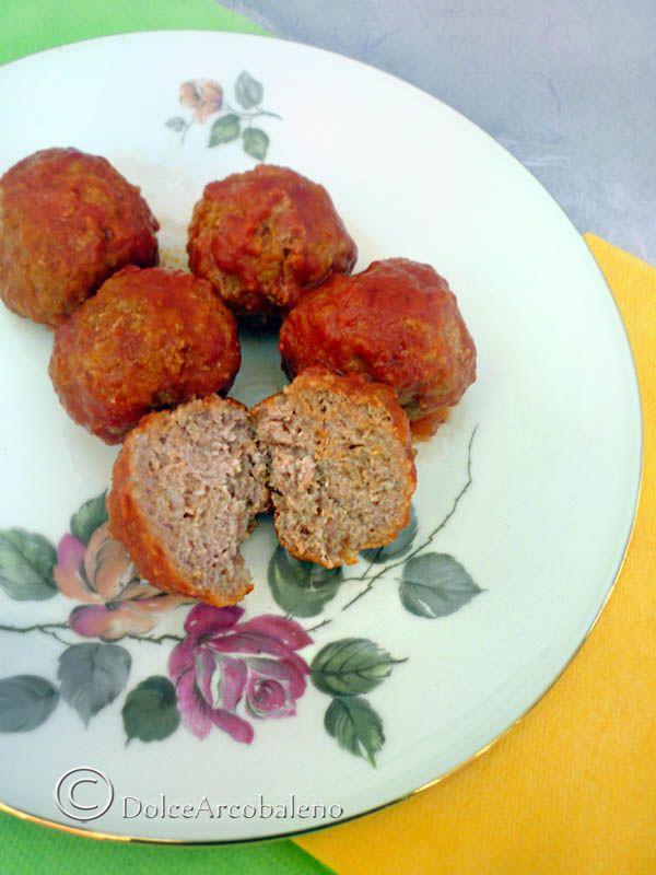 Turkey meatballs with tomato sauce. Avete poco tempo? Preparate le mie polpette di tacchino al sugo e vi troverete pronto anche il condimento per la pasta. Facile no? ;)