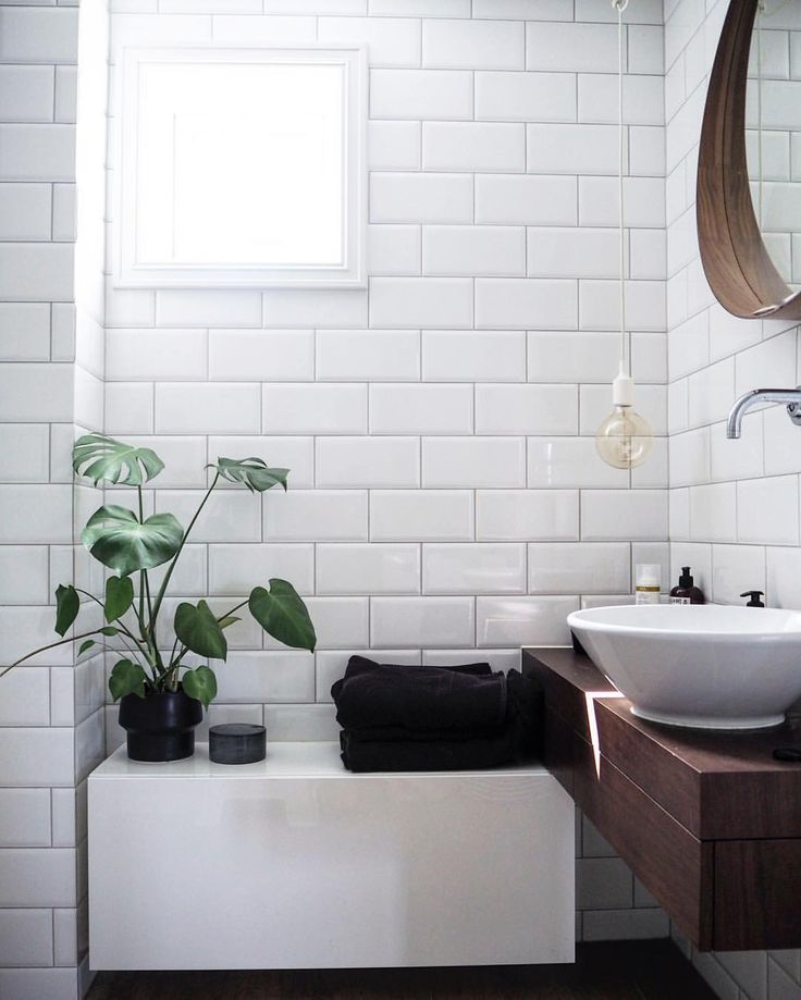 Bathroom inspiration. Minimalism, subway tiles, timeless style bathroom