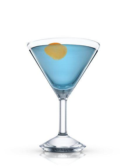 Blue Cosmopolitan - Llenar una coctelera boston con hielo. Añadir todos los ingredientes. Agitar y colar en una copa de cóctel refrigerada. Decorar con naranja. 4 Partes ABSOLUT CITRON, 3 Partes Zumo de arándano blanco, 1 Parte Curaçao azul, 1 Salpicado Zumo de lima, 1 Piel Naranja