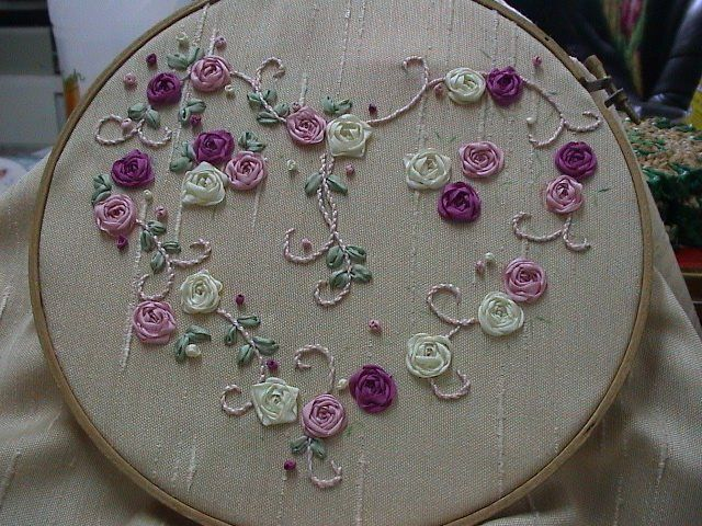I love hears and in silk embroidery...wow!