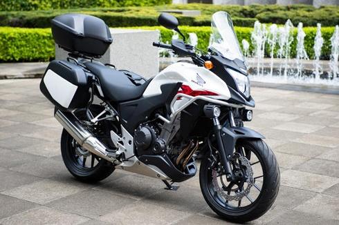 Honda 400X mang khá giống NC700X