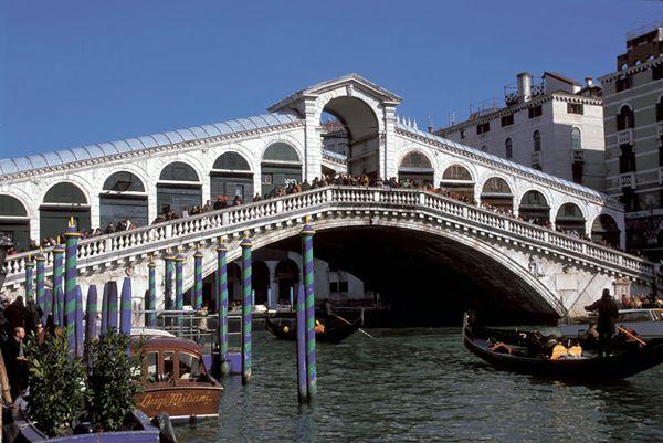 rialto_bridge_venice_italy.jpg (600×401)